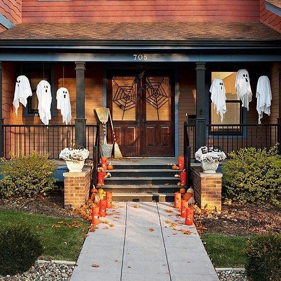 Spooky Porch Halloween Planters and Pumpkins Halloween-Centric Doorstep & Halloween Decorating Ideas | Sackstederu0027s Interiors